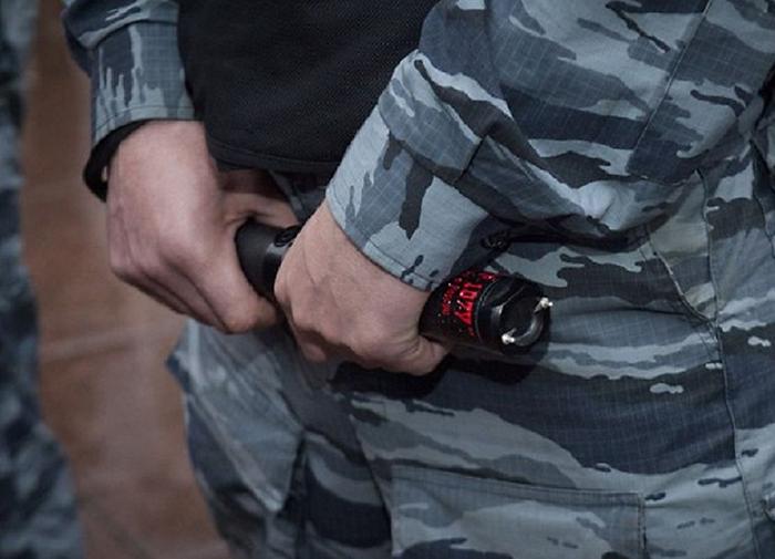 Охранники на транспорте смогут использовать электрошокеры против правонарушителей, включая женщин